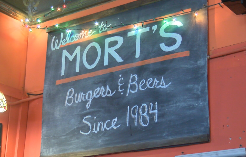 morts bar and grill