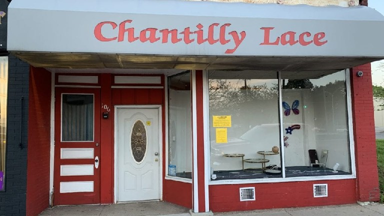Chantilly-Lace