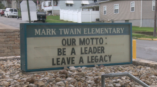 Mark Twain students collect food to benefit community