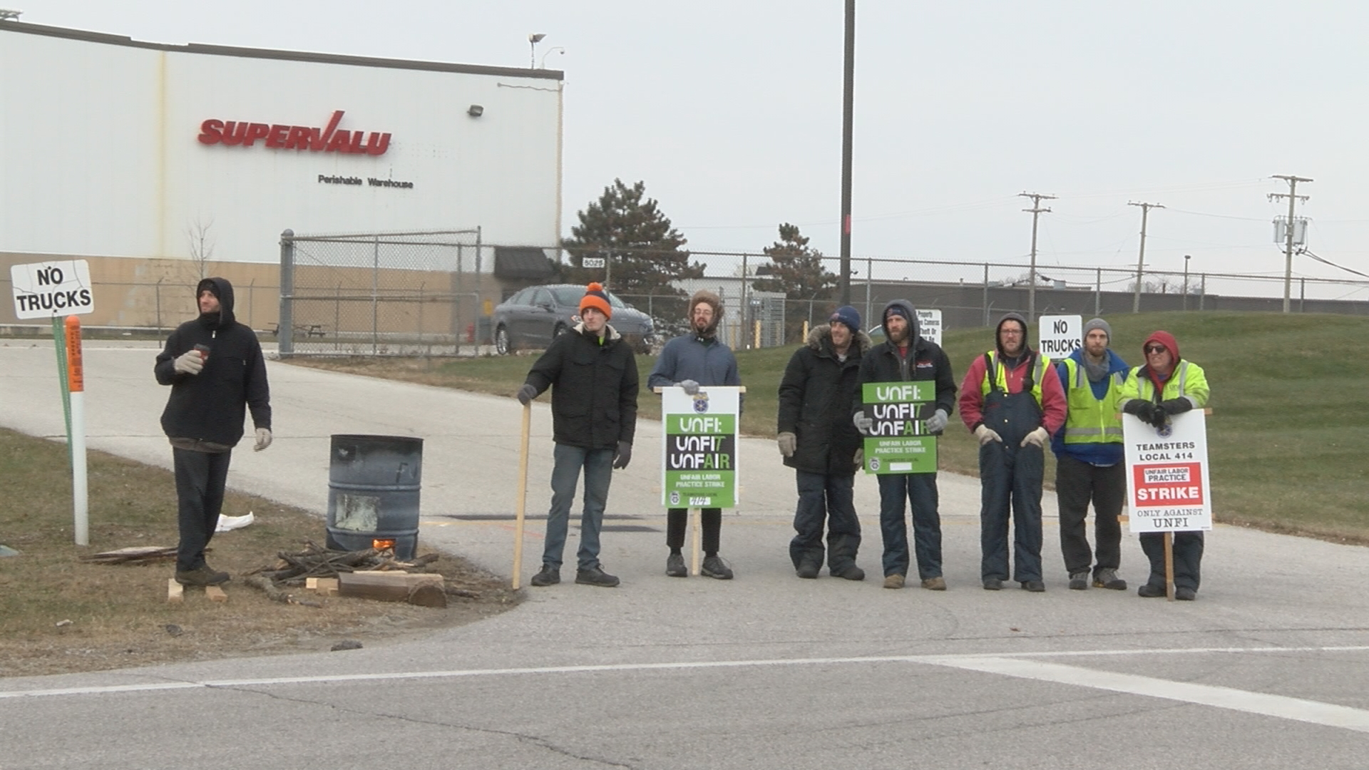 More than 150 Teamster members go on strike outside distribution center