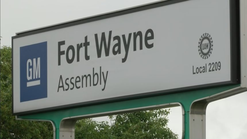 FORT WAYNE GM SIGN CLOSEUP 2020