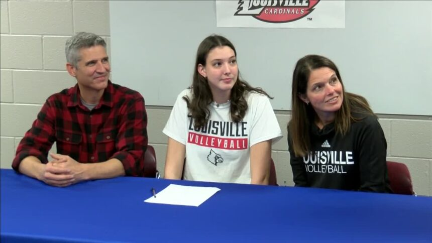 Cara Cresse signs with Louisville