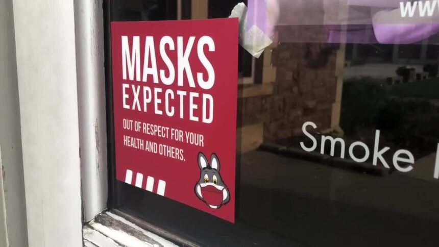 """""""Masks Expected"""" sign"""