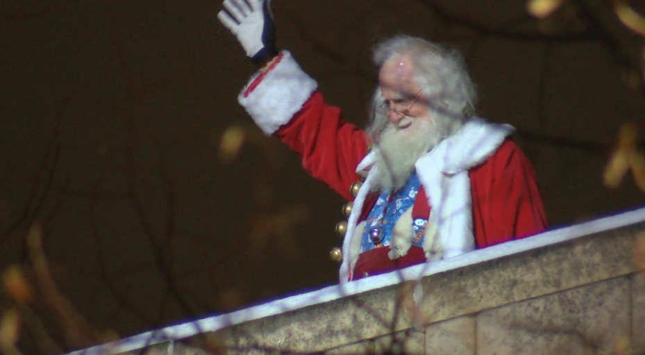 Santa Claus will visit downtown Rochester in drive thru parade