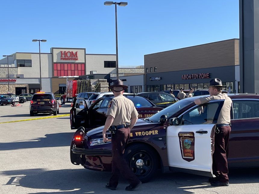 Multiple agencies respond to Miracle Mile parking lot in 'active investigation'