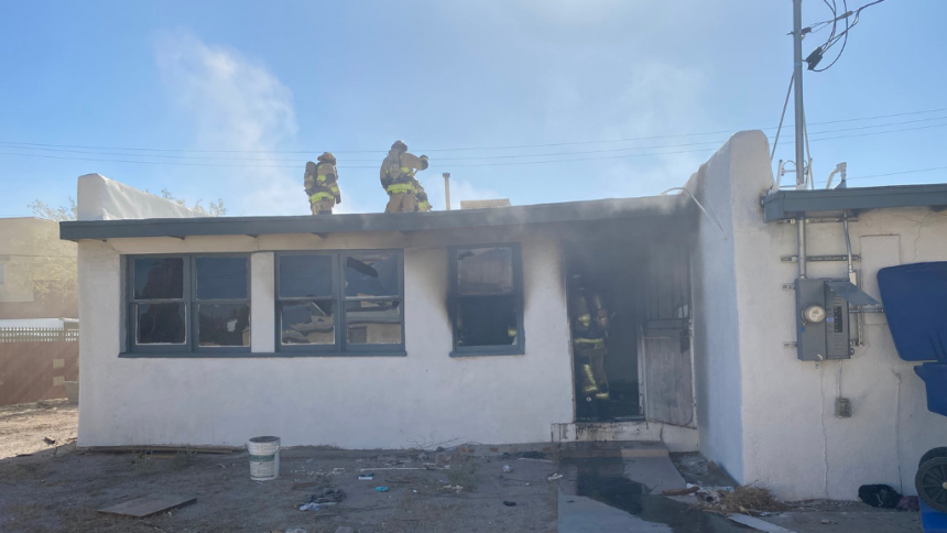 Firefighter suffers minor injury while responding to abandoned house fire in central Tucson