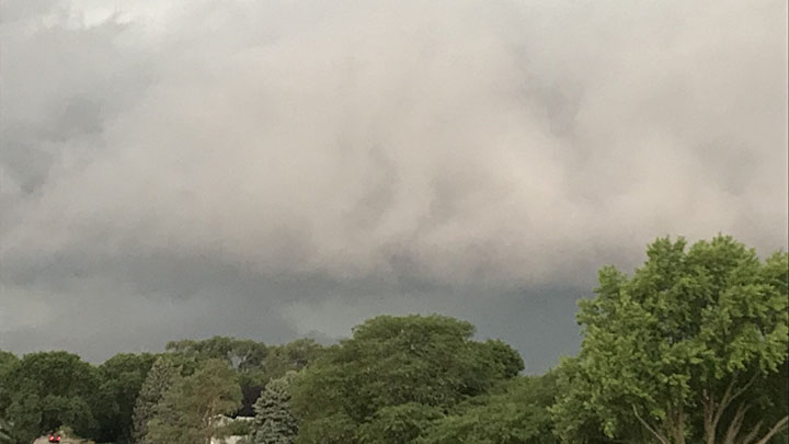 Clouds moving into Sioux City from the northwest, courtesy of Mary McGuire