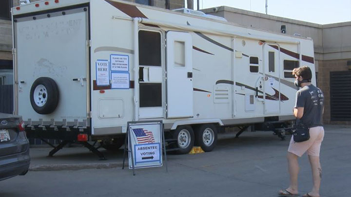 Trailer for absentee voting, SD