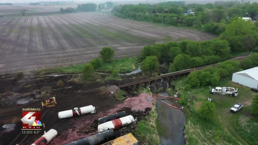 Train Cleared from Sibley Tracks