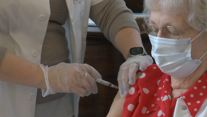 Rochester resident receives first dose of COVID vaccine