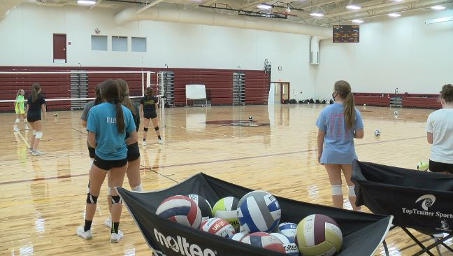 Waterloo girls volleyball implements COVID-19 precautions, and starts season